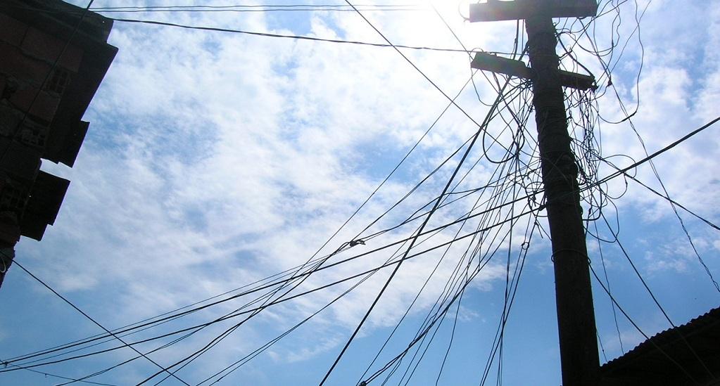 La Cámara CAyT de la Ciudad ordenó al Gobierno garantizar la provisión eléctrica de la Villa 21-24